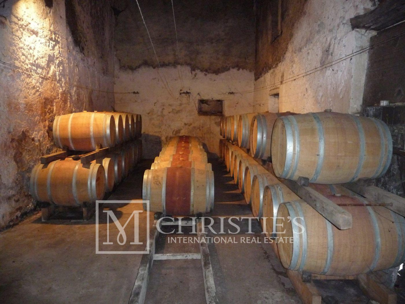 Bedroom - Bordeaux Vineyard estate of approx. 58 ha  with 15th century Chateau