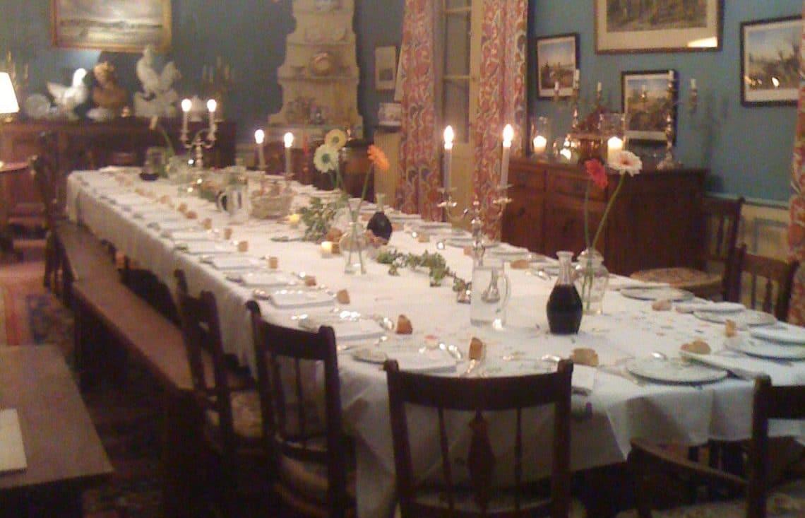Bordeaux Chateau Dinner party