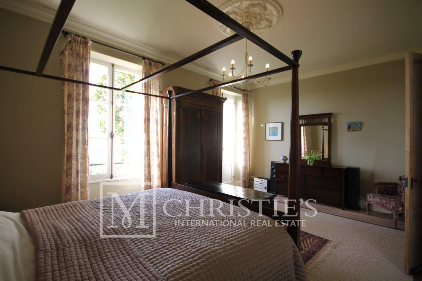 Bedroom, Carpet - Country House/Chateau with Boutique Vineyard