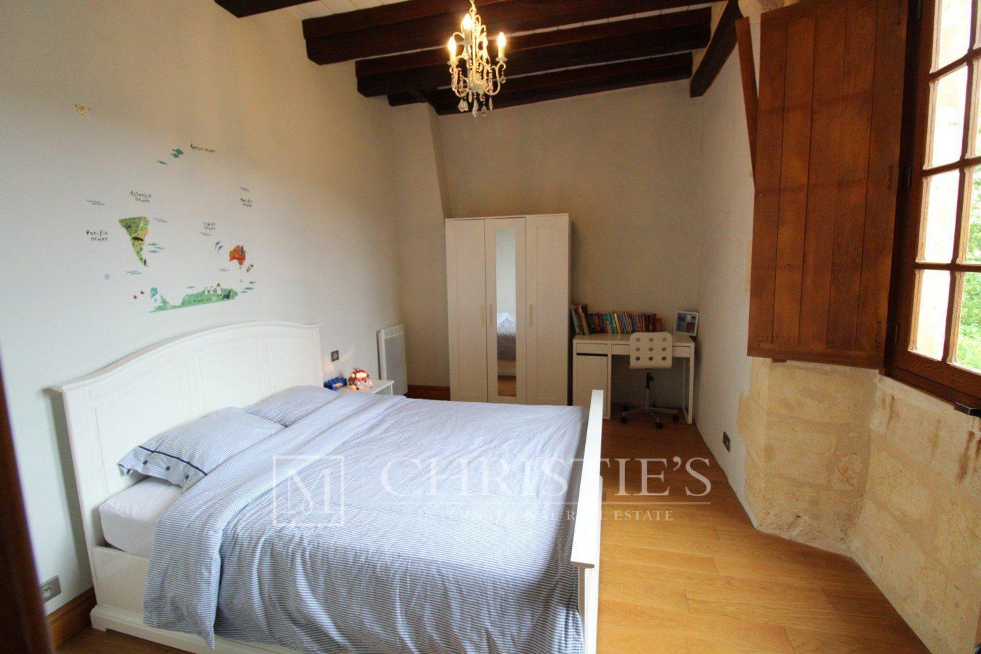 Chambre, Parquet - Petit vignoble près de Saint-Emilion avec magnifique Château historique