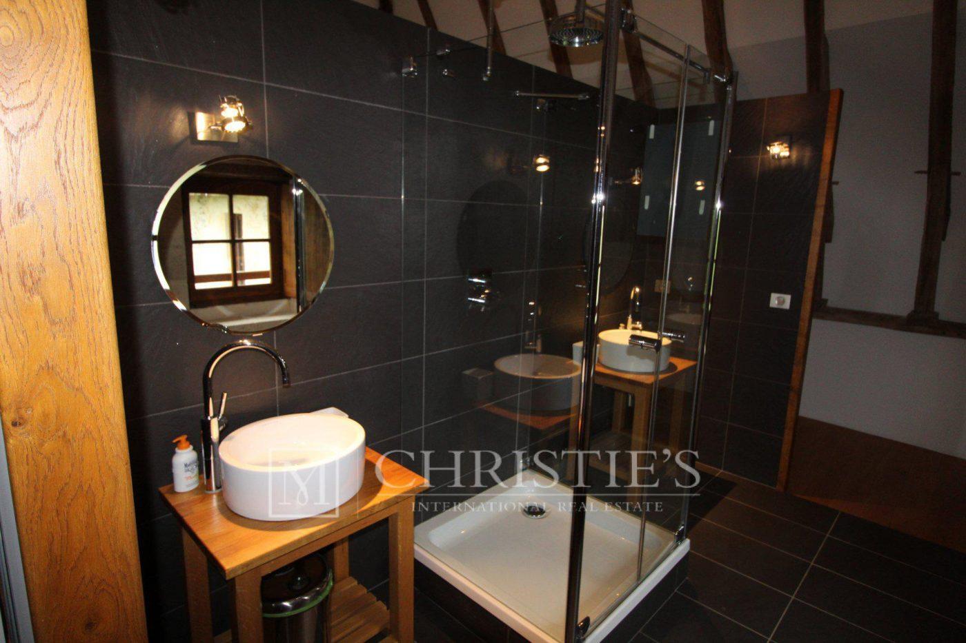 Salle de bains, Carrelage - Petit vignoble près de Saint-Emilion avec magnifique Château historique
