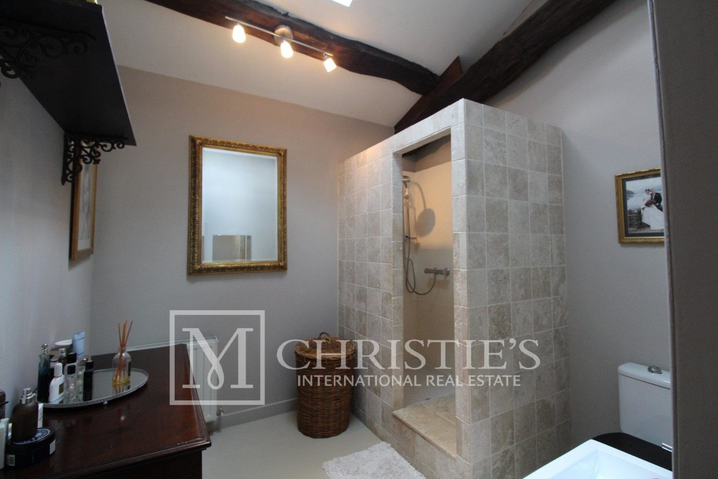 Bathroom - Attractive AOC Côtes-de-Duras vineyard with residence, gîte and swimming pool