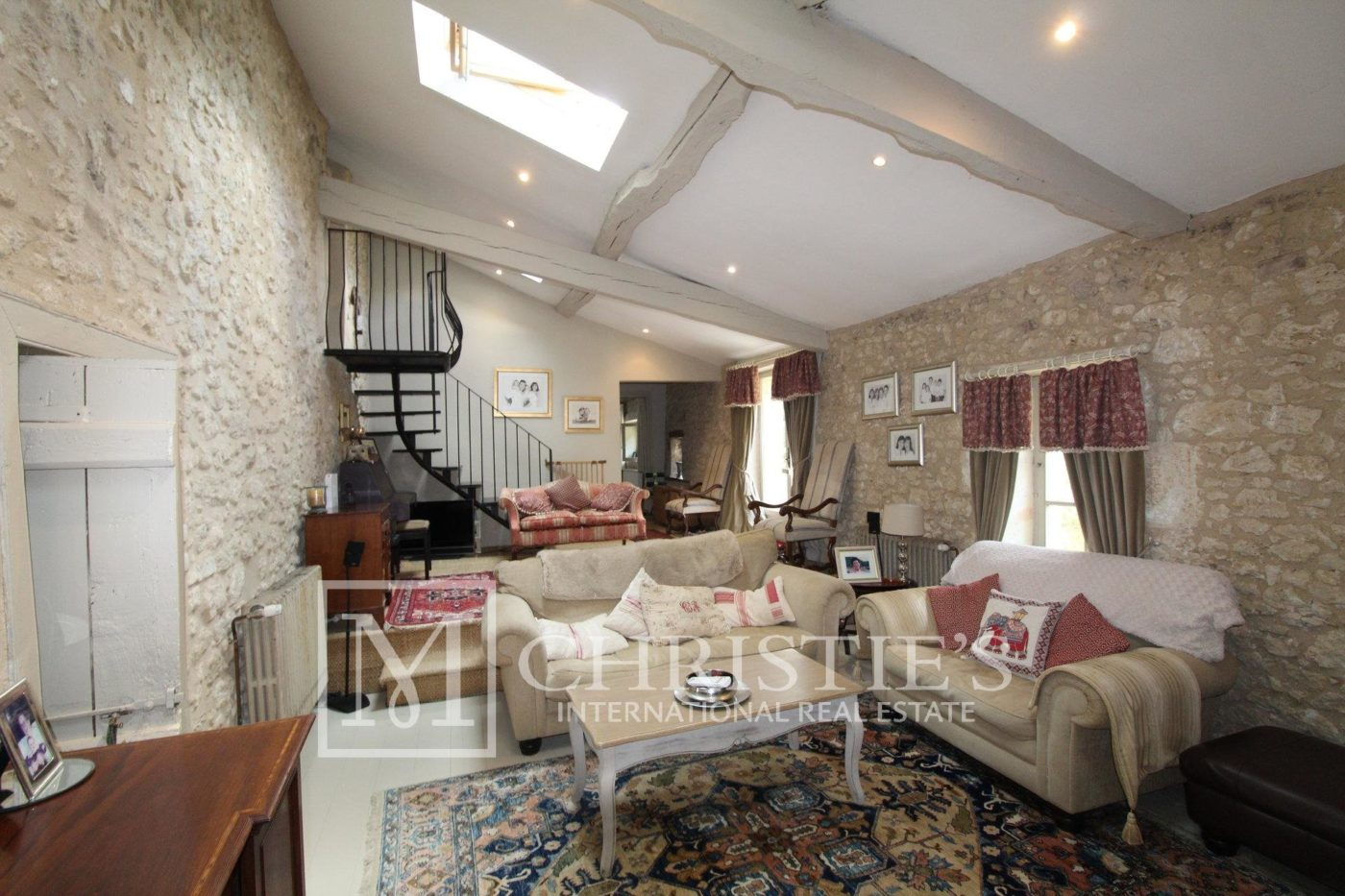 Living-room - Attractive AOC Côtes-de-Duras vineyard with residence, gîte and swimming pool